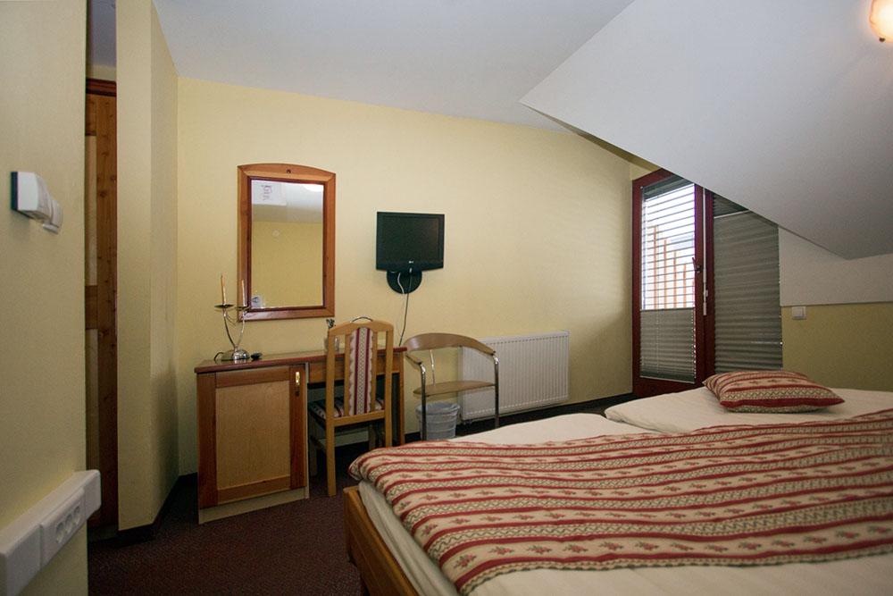 soba prenočišče gostilna jurček